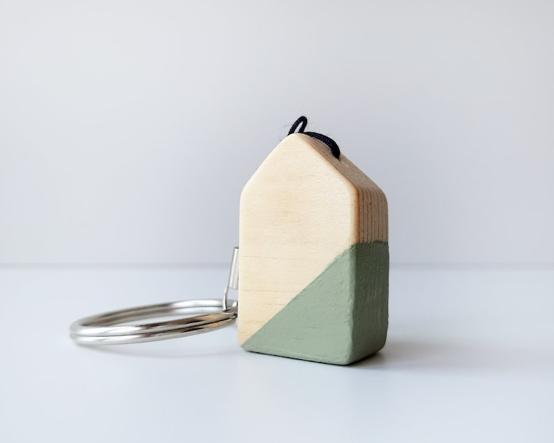 Keychain with Scandinavian style wooden house Minimalist image 0