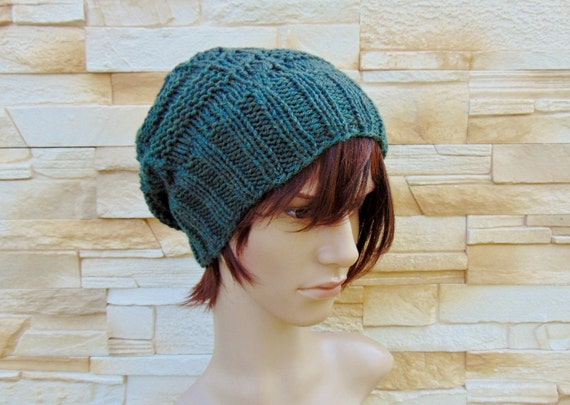 3cf5b13a3f2b Artículos similares a Hombres sombrero Alpaca verde de punto gorra ...