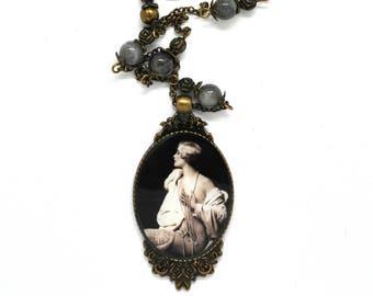 Jewelry theme romance, Labradorite gemstones