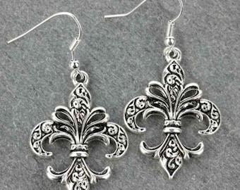 Fleur De Lis Earrings - Silver