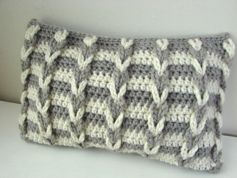 Crochet Pattern Chunky Cushion Cover Pattern Bulky Yarn Loop Etsy