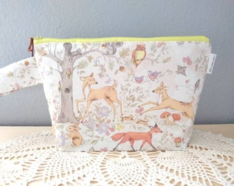 Woodland Critters Knitting Project Bag! Medium 2 Skein Size Zippered Box Bottom Bag!