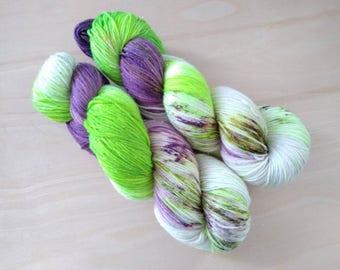 THE JOKER Hand Dyed Fingering Speckled Superwash Merino Wool Nylon Yarn! (Various Bases)