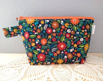 Folksy Flowers Bright Florals Knitting Project Bag! Medium 2 Skein Size Bag with a Box Bottom! So PRETTY!
