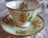 Vintage Gorgeous Paragon Light Yellow scalloped teacup with yellow roses, wedding gift, bridal shower, teaparty gift, gift for her - MW