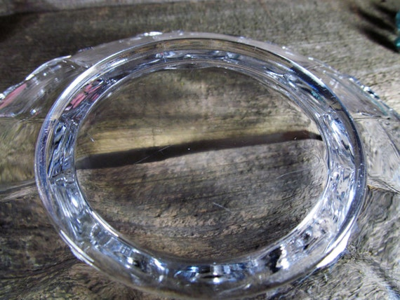 Filigree or Lace Edge Clear Glass Salad /& Fruit Serving Bowl Anchor Hocking Early-Century Vintage Kitchen and Dinning Decor Old Colony