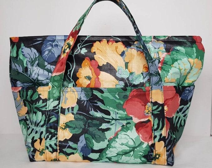 Toiletries bag, washbag, cosmetic bag, toiletry bag, soap bag, holiday bag, soap holdall, washing bag, holiday holdall, Poppy Willow soapbag