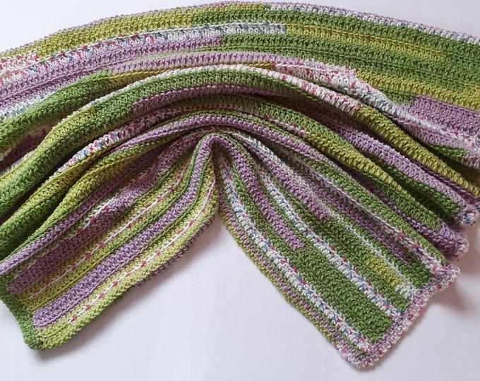 Crochet blanket, handmade blanket in variegated shades, pastel blanket, soft yarn blanket, handmade blanket, baby blanket, lapblanket