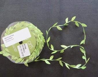 Parrot Green Leaf Vine Trim 4007B