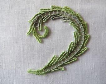 Curved Leaf Applique Venise Lace 6059D Hand dyed