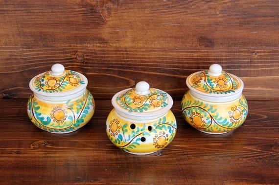 piccoli barattoli per la cucina di ceramica italiana dipinti a mano giallo  arancione e verde con girasoli. Set sale zucchero caffè aglio