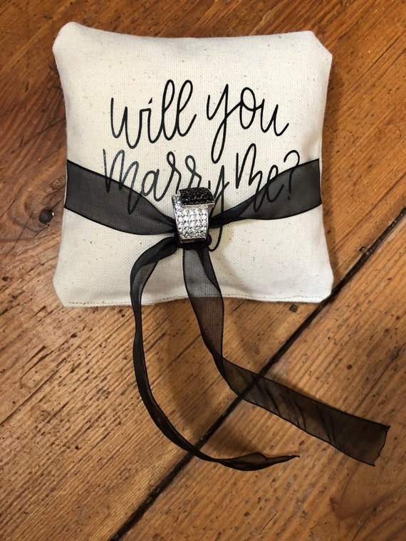 Ideal for engagement keepsake 100/% cotton Will you marry me engagement ring bag