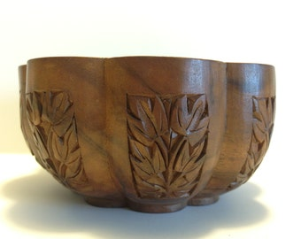 Grieg N Marks Hand Carved in Walnut Bowl Dish Wood Nut Bowl Carved with Leave Design Vintage Walnut Bowl