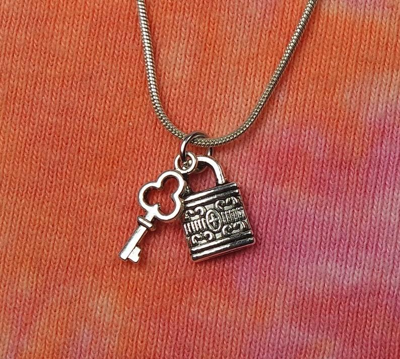 Schloss Halskette 16 Und Schlüssel Symbol 36Etsy PkX0wNO8n