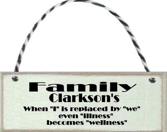 """A personalised """"Family"""" hanging gift sign for the home, family or friends.  A keepsake for ever."""