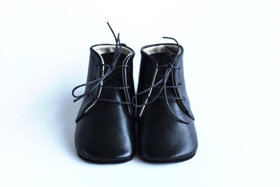 Black baby shoes Leather baby girl