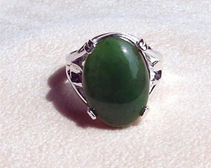 Jade Ring - Medium Cabochon