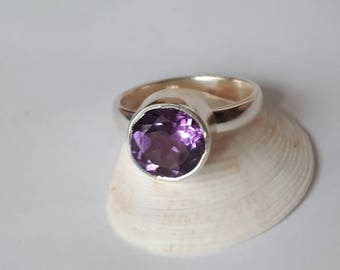 unique size 6.5 with option to resize 92.5 sterling silver Faceted amethyst ring