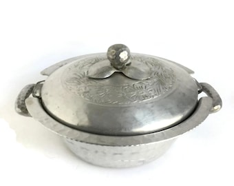Vintage Pyrex Casserole Dish and Metal Holder Hand Forged by Everlast  c1930's, Aluminum Casserole Dish, Aluminium Serving Dish