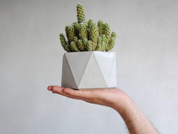 ESA | Concrete Planter - Vase - Pot
