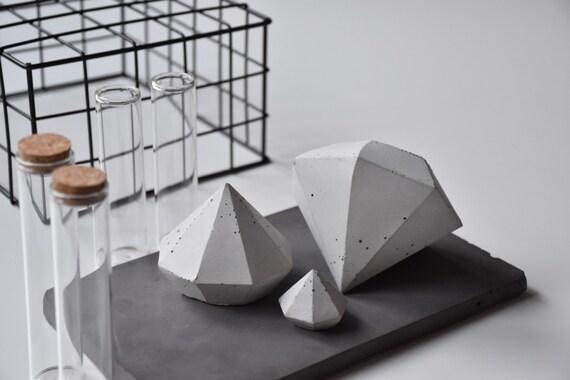 DIAMOND | Set of 3 Concrete Diamonds