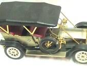 1910 Silver Ghost Rolls Royce Transistor Radio Model Car