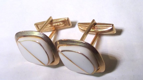 on sale Vintage Light Gold Tone Round Cuff Links With Faux Pearl Tuxedo Accessory Gift For Him