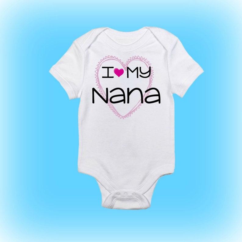 ad60c6d4e Personalizada bebé Onesie® te amo mi Nana regalo para el