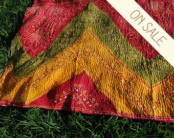 SITARA - Indian red saree KANTHA coverlet / twin hippie bedding bohemian bedspread / THROW curtains tablecloth blanket