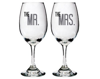 Bride & Groom - The Mr and Mrs - Set of White Wine Glasses - Wedding - Anniversary - Couple - Bride - Groom - Personalized - Toasting