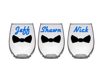 Set of 5 Personalized Groom, Groomsman, Best Man Stemless Wine Glass with Bow Tie - The perfect gift for friends and family - FREE SHIPPING