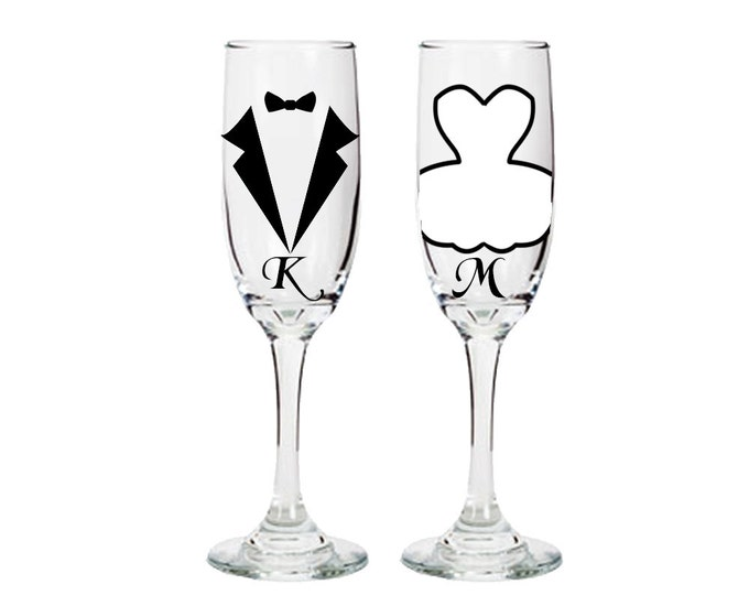 Personalized Bride and Groom Champagne Flutes - Wedding Gifts -bridal shower - engagement - FREE SHIPPING