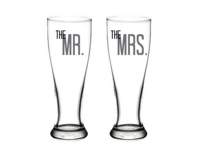 Bride & Groom - Mr and Mrs - Set of Pilsner Glasses - 23 oz. - Wedding - Anniversary - Bride - Groom - Toasting - Beer - FREE SHIPPING