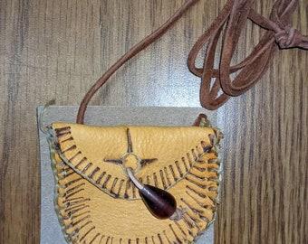 Small Medicine Pouch Necklace / Dark Natural