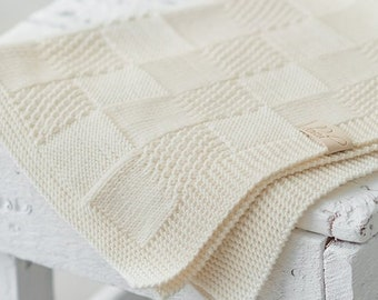 100% Quality Hand Made Knitted Baby Blanket Low Price Baby Nursery Bedding