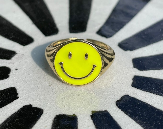 HAPPY Statement Ring neon yellow size adjustable