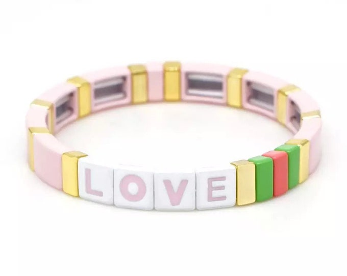PINK LOVE bracelet made of enamelled metal beads