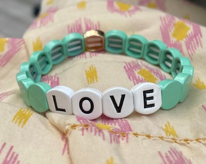 OCEAN LOVE bracelet made of enamelled metal beads