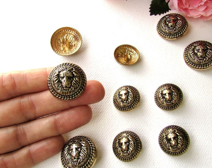 5 Lion head metal shank buttons, Vintage style antiqued brass buttons 2 cm and 2.5 cm, Metal lion buttons in antiqued brass dark gold finish