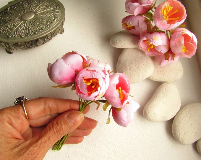 12 Small artificial cabbage roses, Blush pink peony flower buds, Small pink fabric flowers, Faux silk flower blossom, Pink fake flower buds