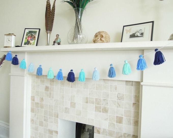 BLUE nursery yarn tassel garland, Wool tassel bunting in sea colours, Blue yarn tassel wall decor, Yarn tassel banner
