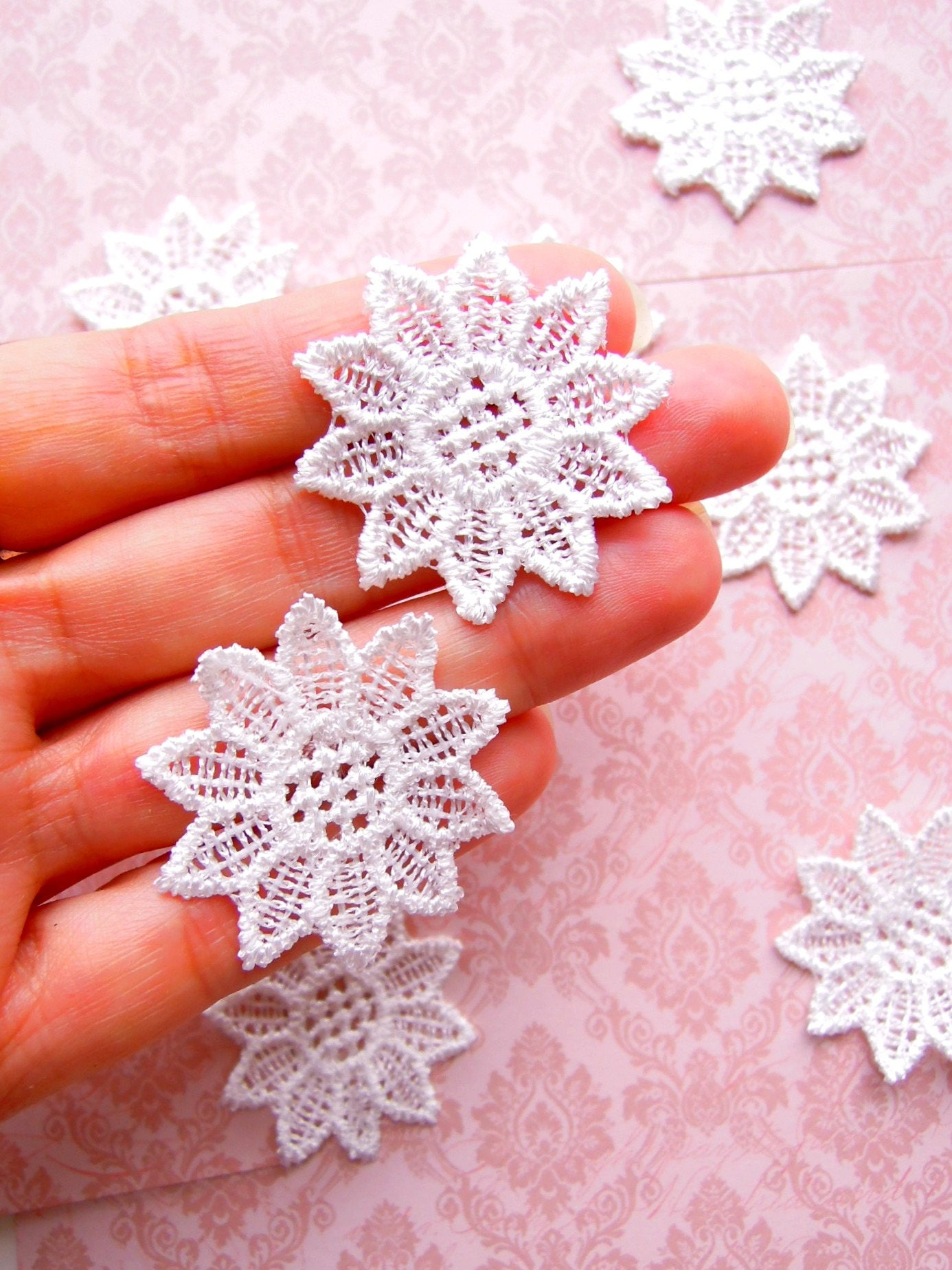 20 White Lace Flower Appliques Small White Lace Flowers Shabby