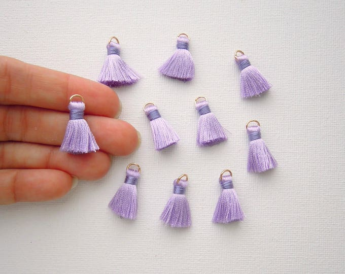 10 Purple jewellery tassels - Small lavender jewelry tassels - Purple mini tassels - Lilac small bracelet, necklace tassels with jump ring