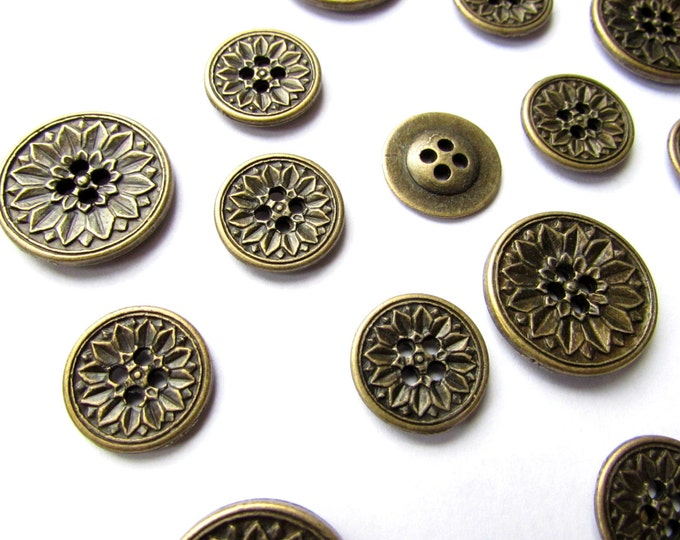 10 Brass buttons - Vintaged gold steampunk metal buttons - Victorian style sewing buttons 20 mm - Sunflower bronze sewing buttons