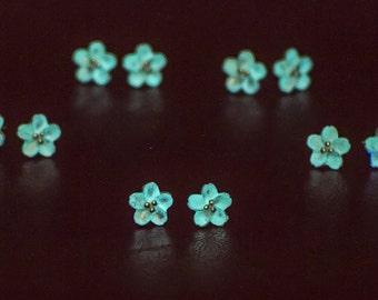 Sterling Silver Flower Stud Earrings Glow In The Dark Earrings Natural Jewelry Dainty Silver Stud Earrings Girflriend Gift Cute Tiny Earring