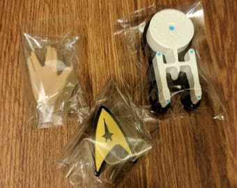 Star Trek magnet set of 3 - Spock hand, starship Enterprise, symbol