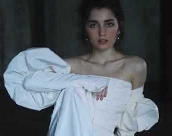 Bridal jumpsuit NIKIA // Daring taffeta wedding jumpsuit with detachable sleeves and palazzio pants