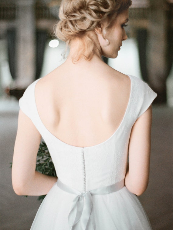 Uda Boho Cap Sleeve Wedding Dress Low Back Tulle Wedding Gown Tulle A Line Skirt Corset Bodice With Bohemian Lace Milamira Modest