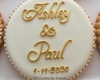 Wedding Cookie with Names or Initial in Gold or Silver -  Engagement Cookies - Wedding Favors - Candy Table Sweets for Wedding / Engagement