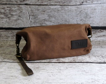 Dopp kit for men, Travel kit, Toiletry Bag, Gifts for Men, Groomsmen, Fathers Day Gift, Valentines Gift - Personalized - Engraved - Birthday